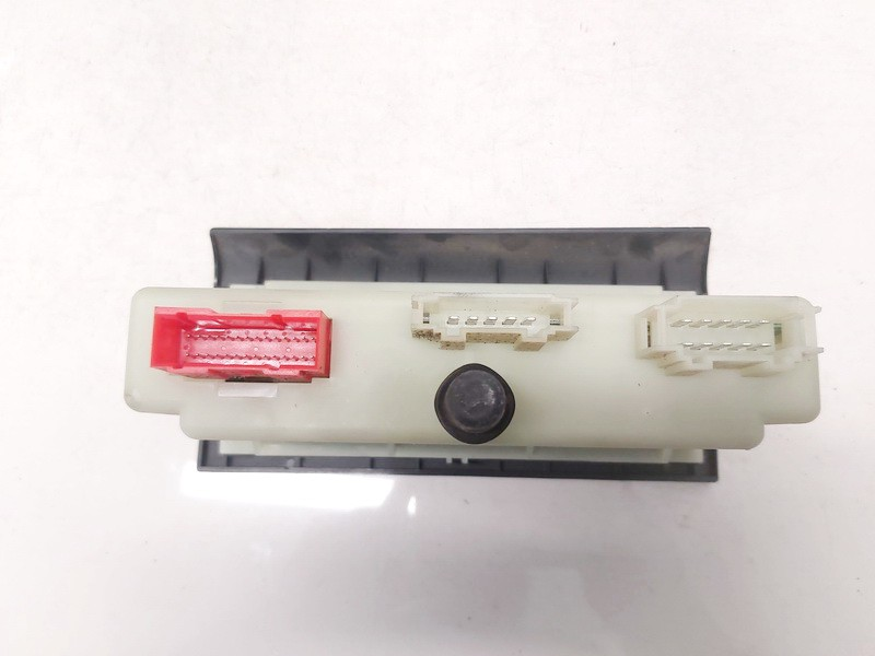 Climate Control Panel (heater control switches) Volkswagen Passat 1997    1.9 3a0907044a